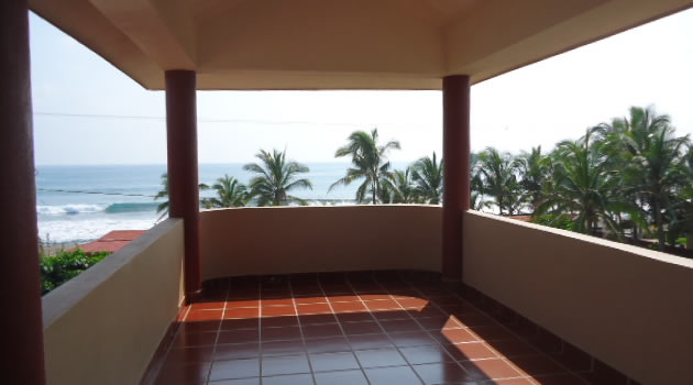 Colonial 5 bedroom Home Close To Beach